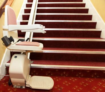 wie erkennt man hochwertige treppenlifte treppenlift rundschau. Black Bedroom Furniture Sets. Home Design Ideas